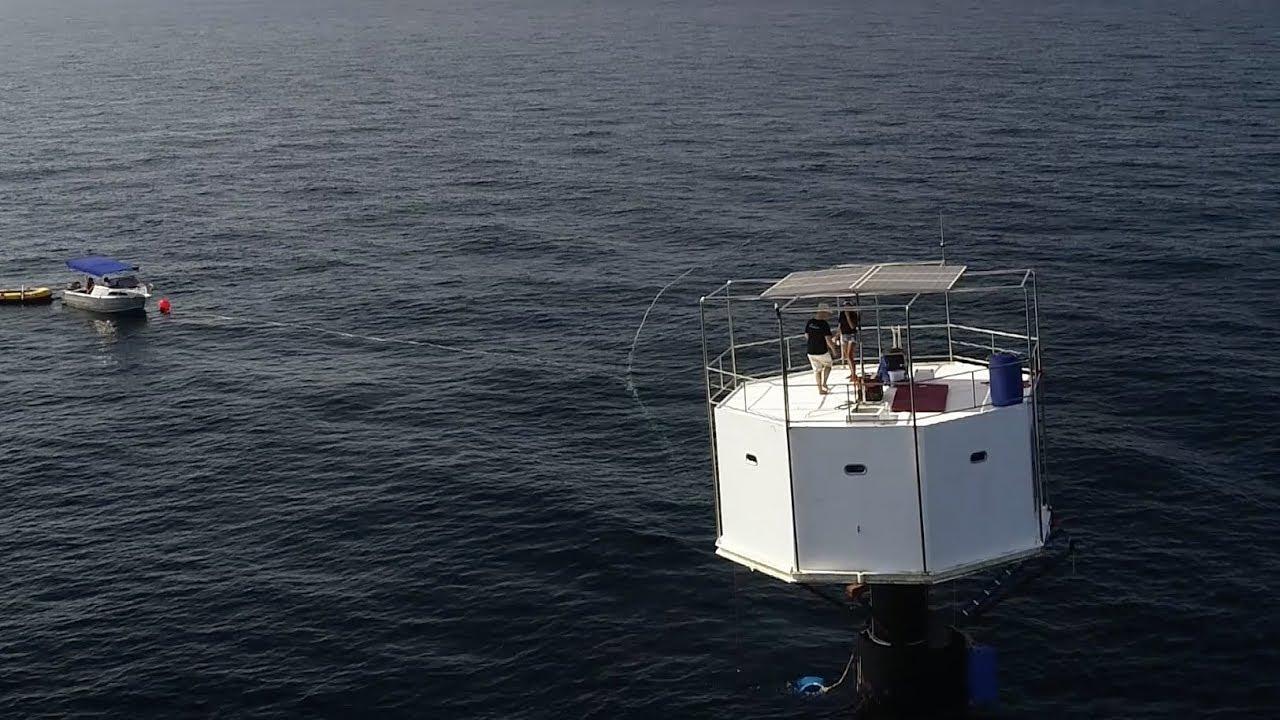 Svobodný život na moři: Ocean Builders zprovoznila první plovoucí dům i se 2 obyvateli